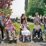 Rollstuhlausfahr mit den gehbehinderten Bewohnern des Stifts