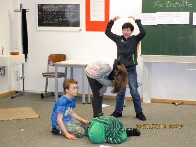 Szenisches Interpretieren im Deutschunterricht – ein Unterrichtsprojekt am DHG