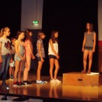 Fünftklässler proben für Musical
