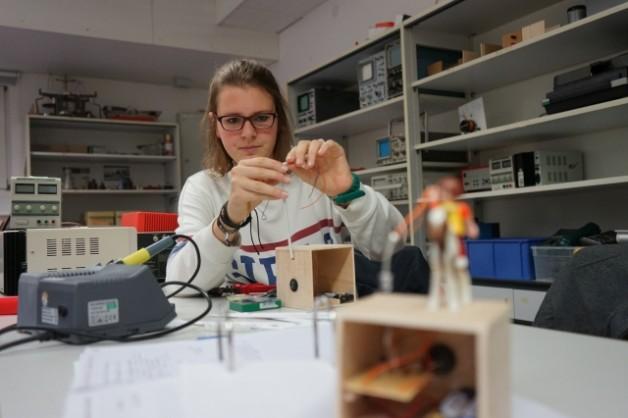 Bau einer ausblasbaren Lampe im Physikunterricht