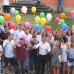 75 Abiturientinnen und Abiturienten verabschiedet