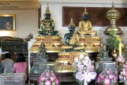 Kopien des Emerald Buddahs